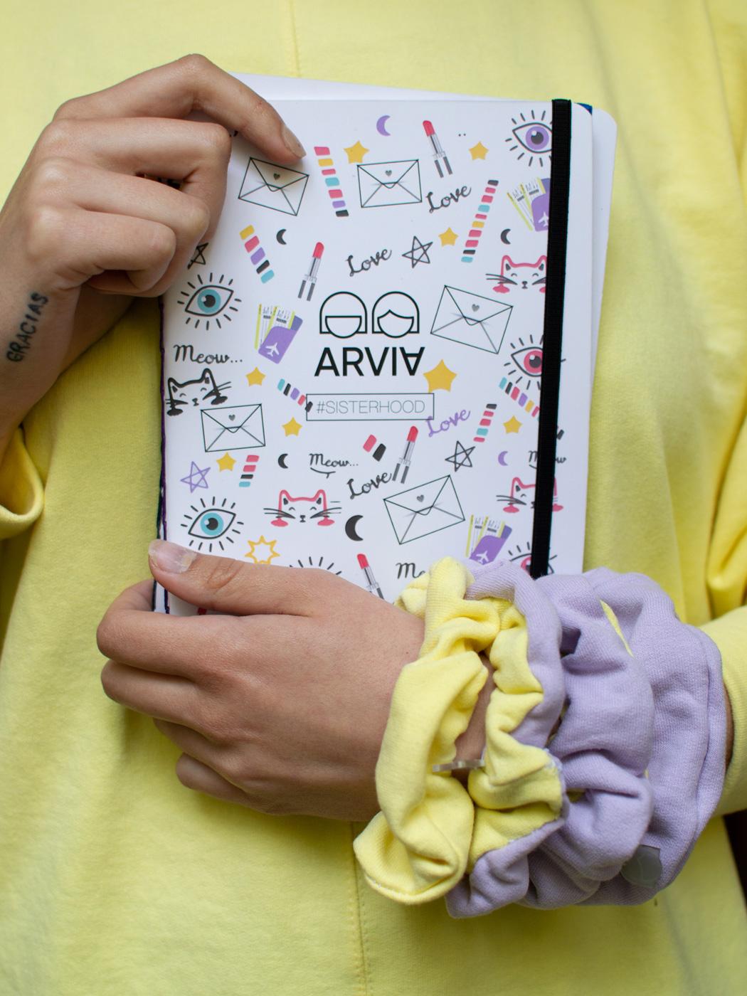 Scrunchis Top Secret by ARVIA